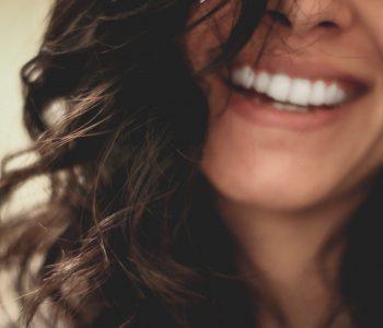 Le blanchiment des dents pour un sourire éclatant